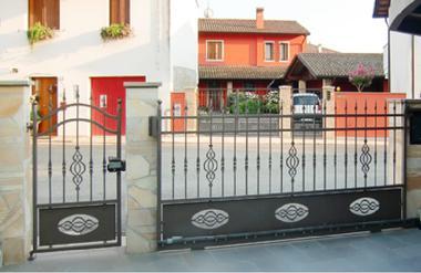 Sclauzero cancelli e recinzioni - Cancelletto in ferro battuto ...